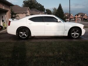 ONLY 115KMS!! 2010 DODGE CHARGER SXT!!