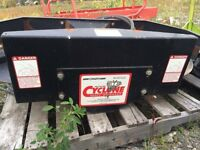 Chaff spreader for combine