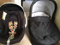 Mama and Papa Sola Pram travel system