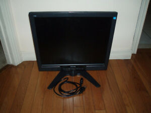 "19""  Philips , Samsung  / 17 ""ViewSonic LCD Monitors"