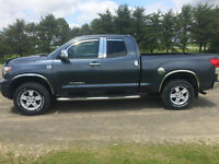 2010 Toyota Tundra Pickup Truck SR5 package