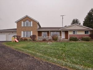 200 Acre Farm - 5 Bdrm House, Barn & Out-buildings London Ontario image 4