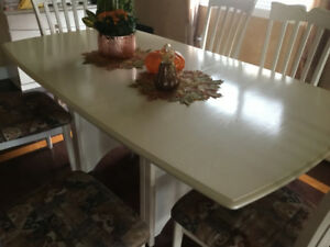 Dining Table, Chairs, Buffet & Hutch