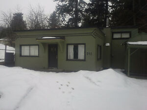 *SHORT TERM* 2 bedroom house for rent- Salmon Arm