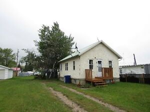 Compact but Upgraded Home in Hay Lakes!