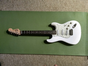 Fender Squire Strat (includes stand and case)