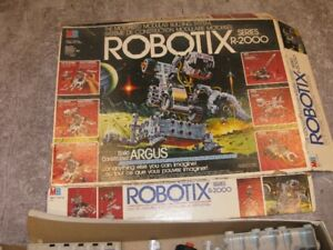 ROBOTIX R2000 parts lot