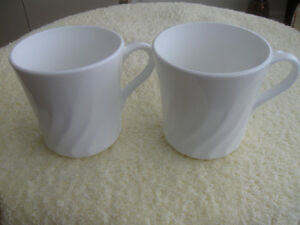 PAIR of VINTAGE SNOW-WHITE CORNING WARE COFFEE / TEA MUGS