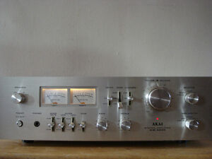 Vintage Akai AM-2600 Integrated Stereo Amplifier