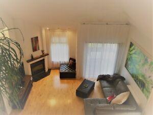 Maison meublé/BROSSARD, GARAGE, SECTEUR 10/30, LIBRE MAINTENANT