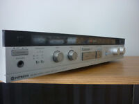 HITACHI -TUNER AMPLIFIER WITH SPEAKERS