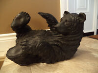 Resin Black bear sculpture in excellent condition