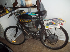 4 Stroke 49cc gas bike with spare parts and ready to ride.