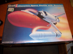 1988 REVELL Discovery Space Shuttle w/Boosters Model Kit 1/144
