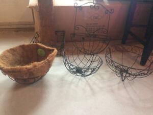 Steel hanging baskets and gate basket