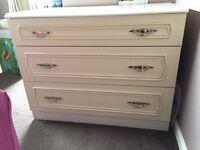 Schrieber chest of drawers
