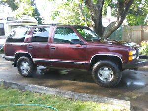 1995 yukon 4x4, great tires, comes with winch