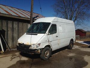 2005 Dodge Sprinter Cargo van Minivan, Van