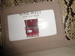NINE WEST PURSES - NEW, NEVER USED! (WITH TAGS)(PAID $79) London Ontario image 3