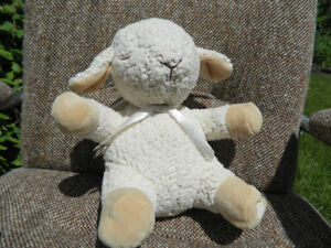 Sleep Sheep: Plush Sound Machine with Four Soothing Sounds