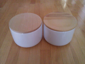 Brand new in box set of 2 large white cookie jars wooden lid London Ontario image 1