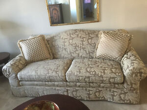 Gorgeous Beige / Gold couch and loveseat