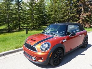 2014 Mini Cooper S Convertible -- Only 10,084 Kilometers!