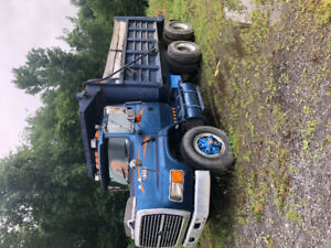 Ford 8000 1995 10 roue  20 000$