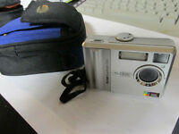 KODAX C530 DIGITAL CAMERA WITH STORAGE/CARRYING CASE