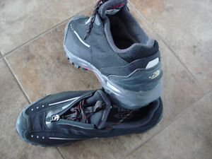 Shoes and rain boots men size 8 London Ontario image 5