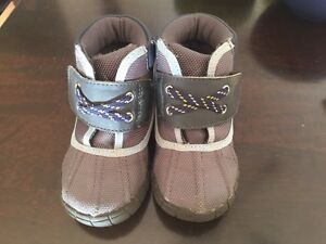 fall/winter booties. Water resistant. Toddler size 5