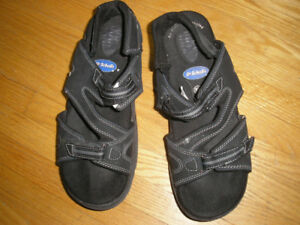 Size 8.5 Dr. Scholl's Suede Leather Sandals with Rocker Soles