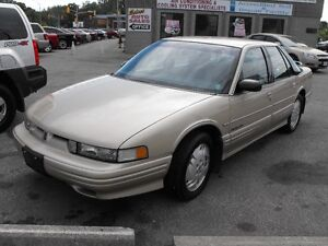 1992 OLDS CUTLASS  48000 KMS  LIKE NEW  NEW TIRES  A MUST SEE  !