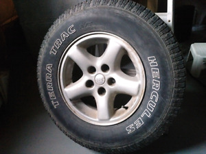 Hercules Terra tracs on Jeep rims