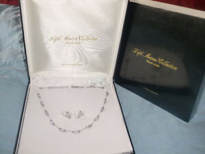 Fifth Avenue Collection hand made - Necklace and Earrings, worn