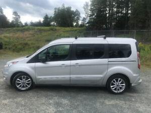 2014 Ford Other XLT Minivan, Van