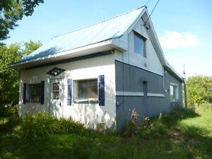 Petite maison en campagne Saint-Hyacinthe Québec image 1