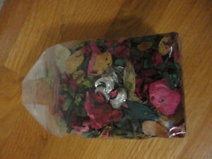 Pack of decorative scented pot pourri London Ontario image 1