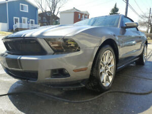 Ford Mustang 2010 convertible manuelle v6