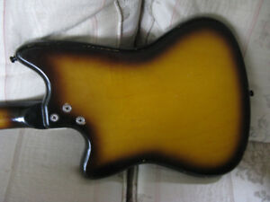 60s short-scale offset harmony bobkat guitare 1 pickup marche