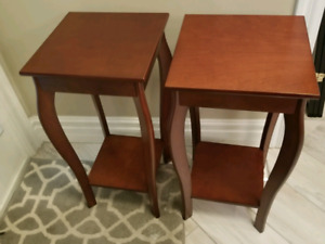 2 side tables in perfect condition