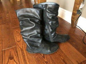 Girl's Size 1 Black Leather Boots