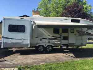 Sabre 32 ft Fitth wheel London Ontario image 7
