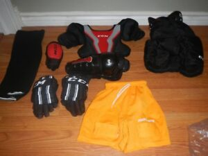 hockey outfit - size 4 to 6