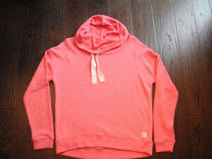Ladies Coral American Eagle Cowl Neck Sweatshirt Size Large London Ontario image 1
