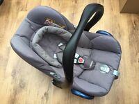 Maxi Cosi Cabriofix Car Seat & Isofix Base