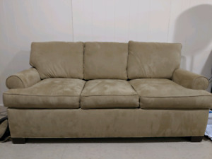 Pull-out sofa bed. High end Barrymore brand.