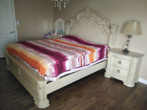 LAST CHANCE!  top quality antique style king size bed set ~