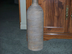 VERY DECORATIVE POTTERY FLOOR VASE Kawartha Lakes Peterborough Area image 2