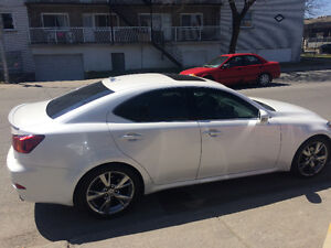 2009 LEXUS IS 250 BERLINE**TOIT, CUIR ET MAGS**